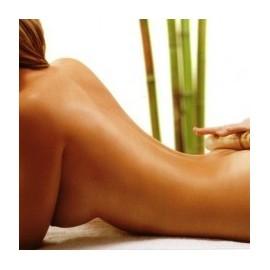 Tratamiento de masaje con bambú